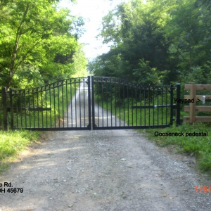 Aluminum-Wood-Chainlink-Fence-royal-arch-3