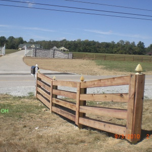 Aluminum-Wood-Chainlink-Fence-4-board-double-sided-5
