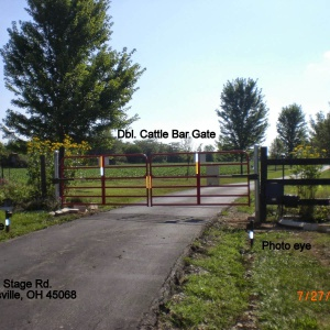 Residential-cattle-bar-gate-1